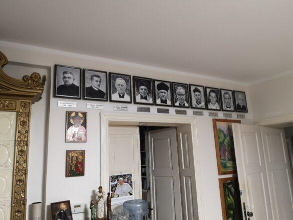 Galeria proboszczów parafii ostatnich 100 lat